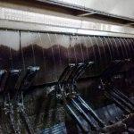 高圧洗浄機で製茶機械の水洗い